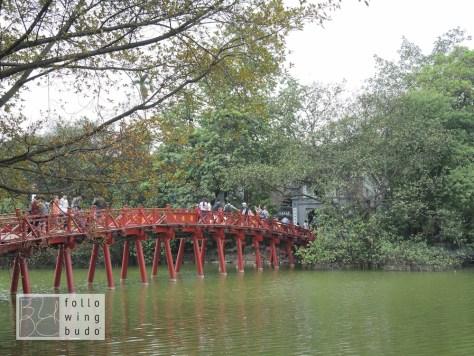 Die Brücke der aufgehenden Sonne führt zum Jadeberg Tempel