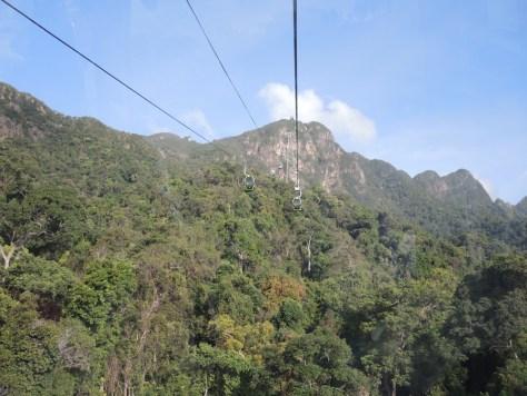 Hoch auf die erste Station in 650 Metern Höhe