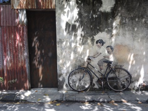 'Kids on bicycle' von Ernest Zacharevic