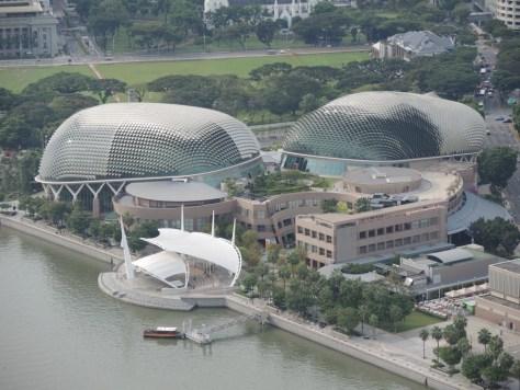 Die 'Esplanades Theatres' sind den Durianfrüchten nachempfunden.