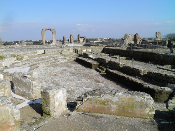 The large semicircular exedra, Villa of the Quintili © Carole Raddato