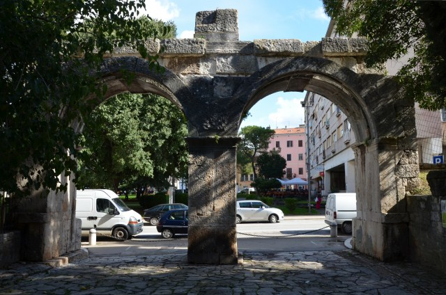The Twin Gates (Porta Gemina), Pula © Carole Raddato