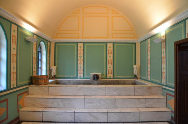 The reconstructed caldarium (hot bath), Villa Borg © Carole Raddato