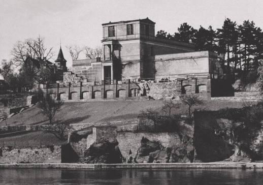 The Pompeiianum after the World World II bombings.