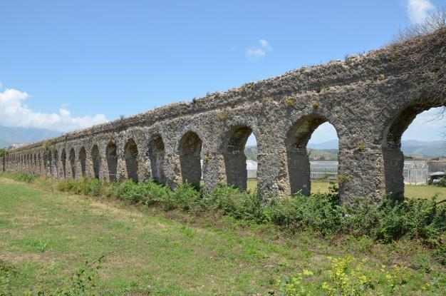 Aqueduct near Minturnae © Carole Raddato