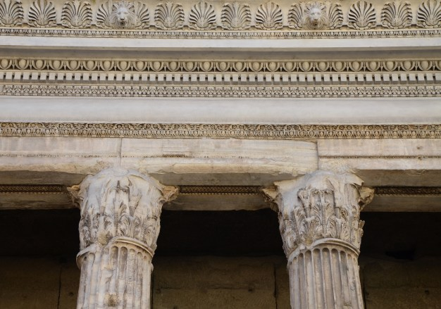The entablature resting on Corinthian capitals, Temple of Deified Hadrian (Hadrianeum), Campus Martius, Rome © Carole Raddato