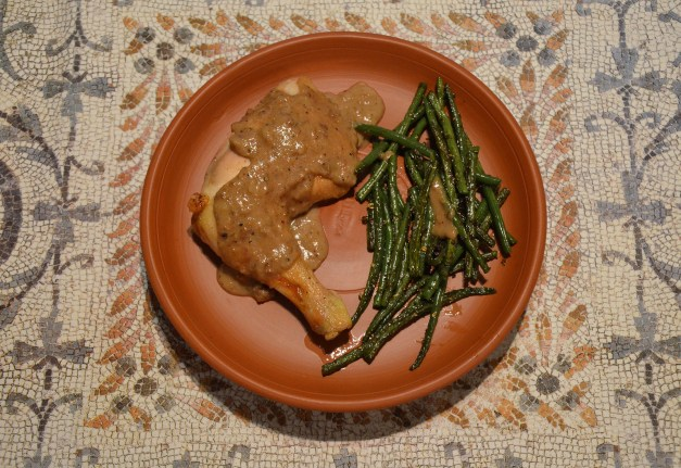 Pullum Numidicum (Numidian Chicken) accompanied with Conchicla Cum faba (Beans with Cumin) Carole Raddato CC BY-SA