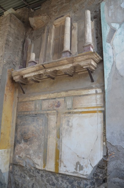 House of the Faun, the fauces, the entrance passageway or vestibule leading to the atrium, decorated in First Pompeian Style, Pompeii © Carole Raddato