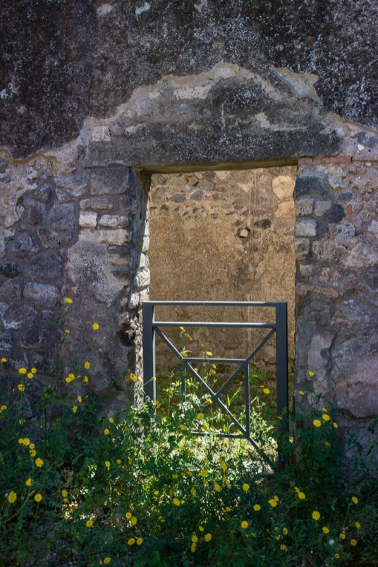 Following the sky Italy Pompeii travel-1