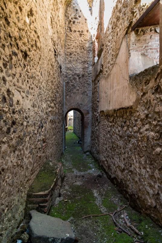 Following the sky Italy Pompeii travel-3