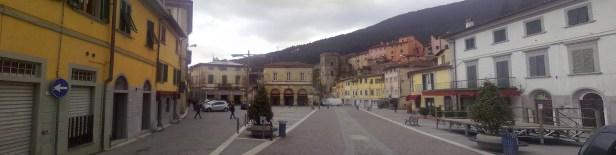 Buti_vista della piazza principale