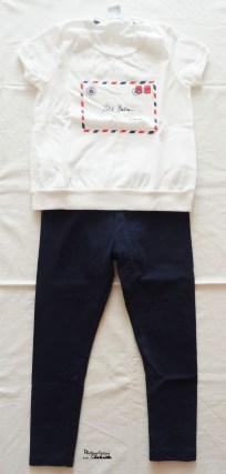 outfit leggings blu e t-shirt bianca