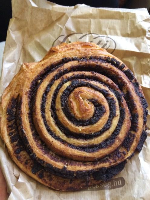 Kakaós Csiga a.k.a chocolate snail - pretty much a cinnamon bun but with chocolate. Fantastic