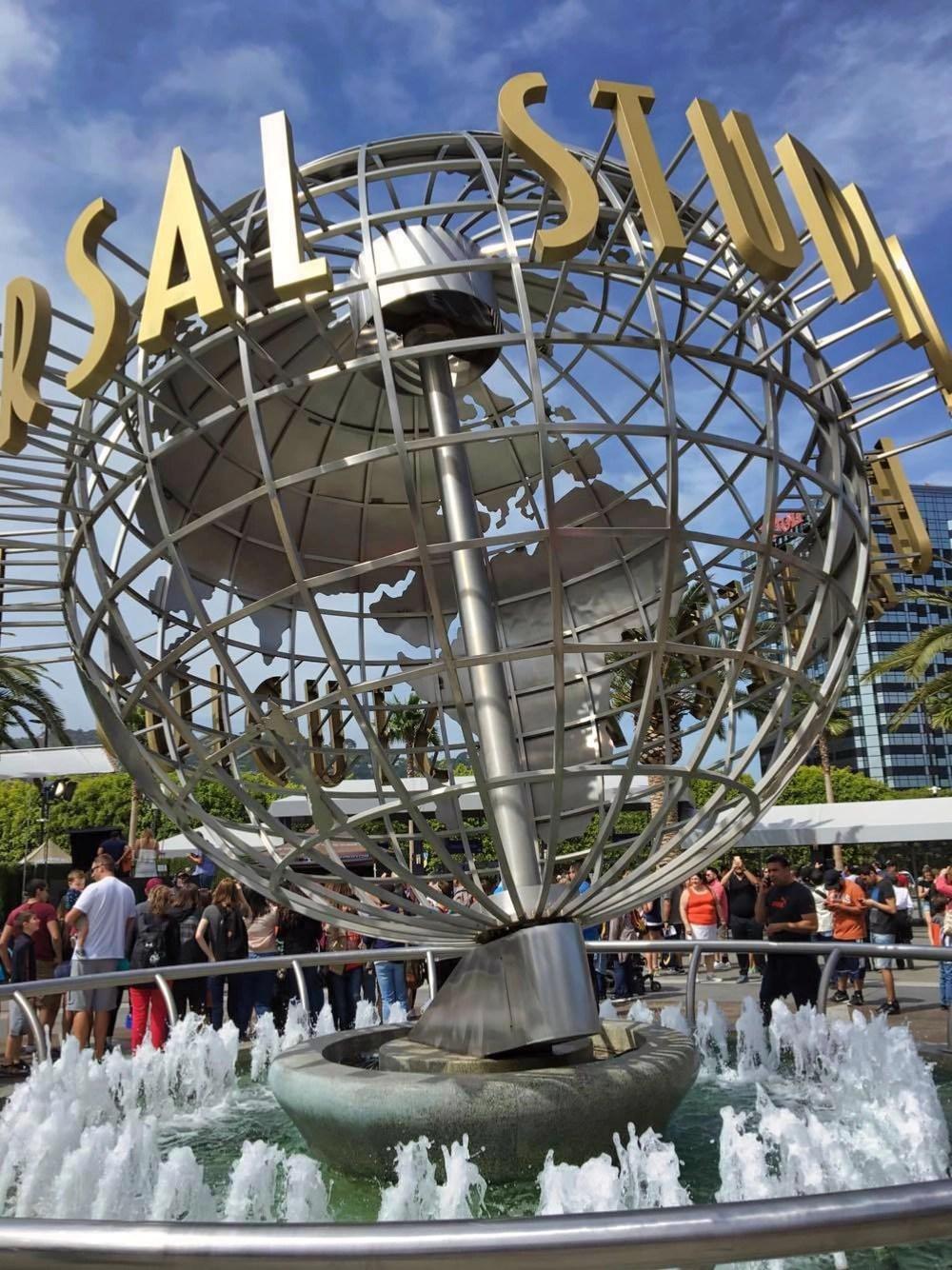 Universal Studios Hollywood - Sign