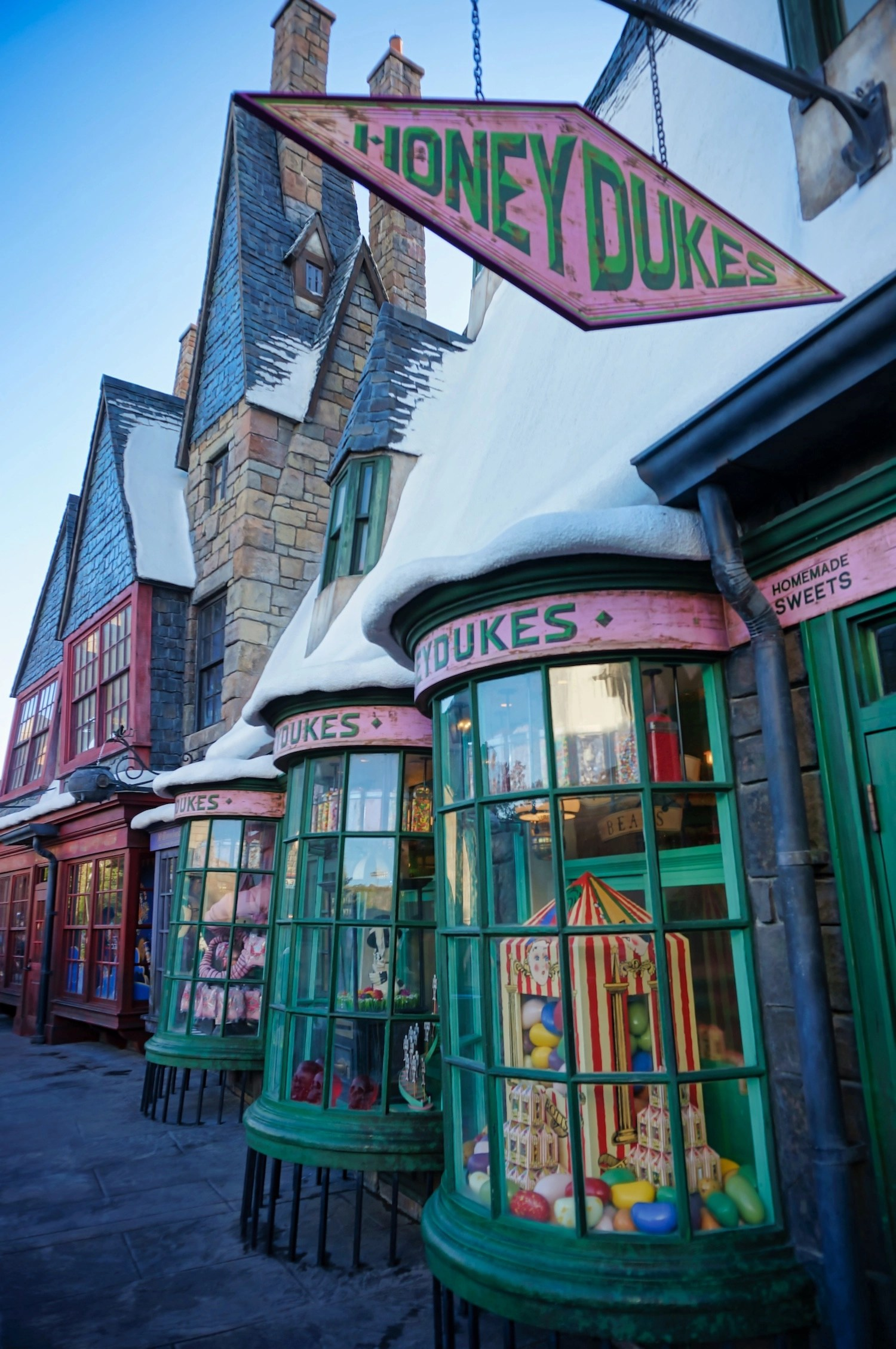 Virtual Visit to Wizarding World - Hogsmeade