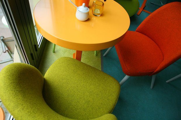 follow-the-colours-cafe-in-05