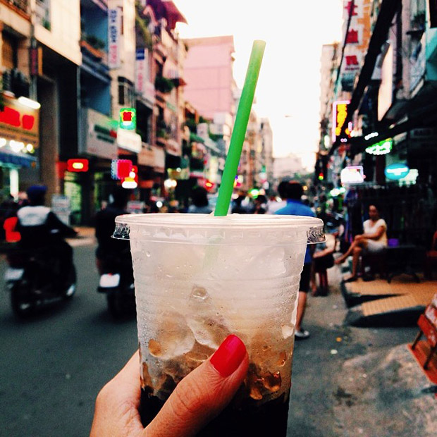 follow-the-colours-girl-eat-world-vietnam