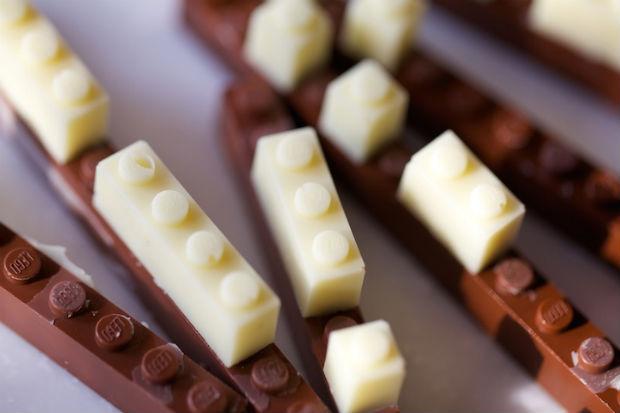 follow-the-colours-chocolate-lego-02
