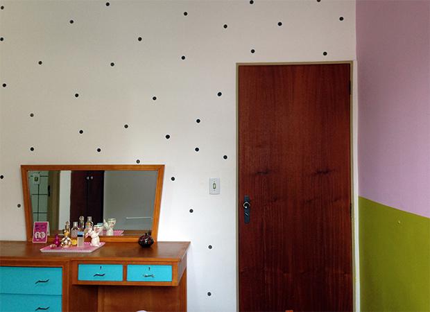 follow-the-colours-parede-bolinhas-DIY-decor-15