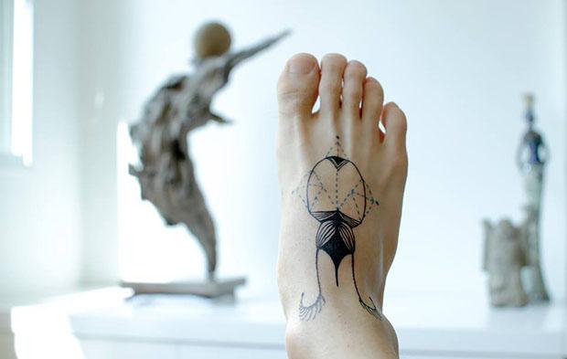 Aline-Watanabe-tattoo-friday-follow-the-colours-01