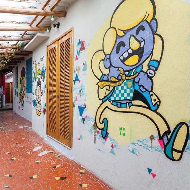 Marmota vs Milky ilustração mural ô de casa hostel