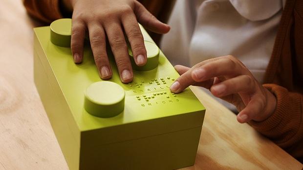 follow-the-colours-braille-bricks (6)