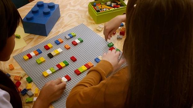 follow-the-colours-braille-bricks (7)