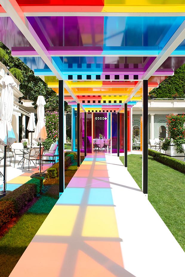 follow-the-colours-daniel-buren-coloree-une-pause-le-bristol-paris-04