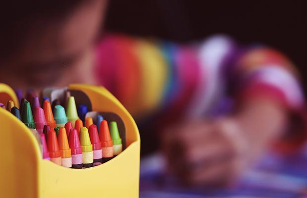 follow-the-colours-crianca-brincadeiras-sentimentos