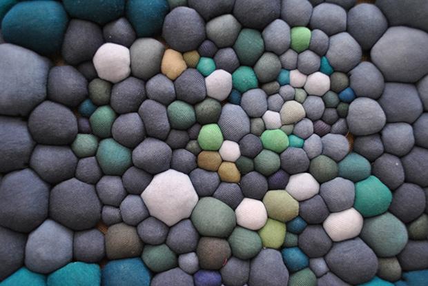 follow-the-colours-arte-bolas-tecido-coloridas-03