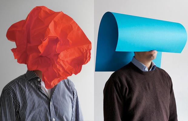 Sebastian Schramm captura retratos cheios de bom-humor usando objetos do dia-a-dia - Follow the Colours