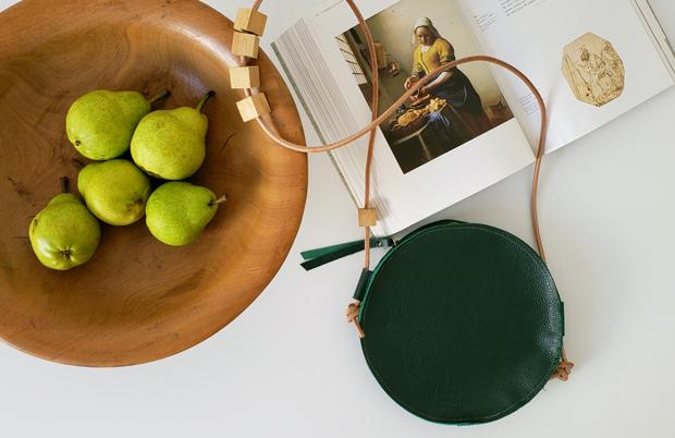 Formas Simples: Marca brasileira traz bolsas minimalistas que simplificam seu dia a dia - FTCMAG