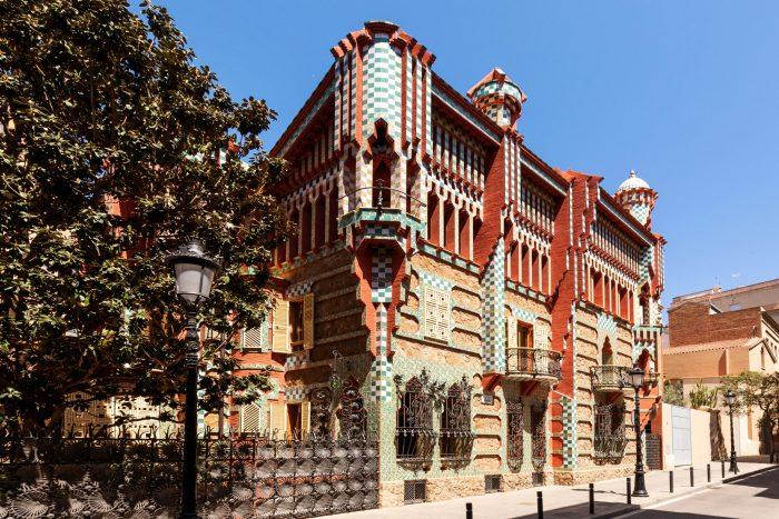 casa vicens projetada pelo gaudí em 1883
