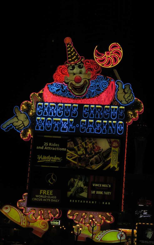 The Circus Circus Sign