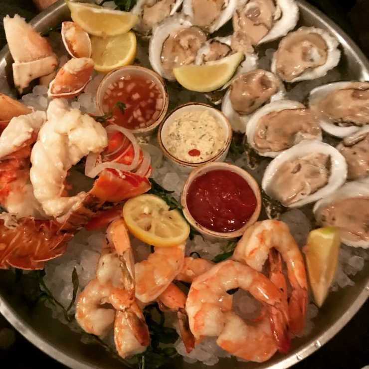 Cold Seafood Platter at Voyagers