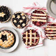 Berry Patriotic Pie (2 Ways!)