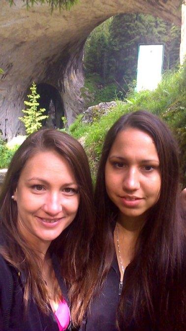 Nina-and-ellie-selfie-on-wonderful-bridges