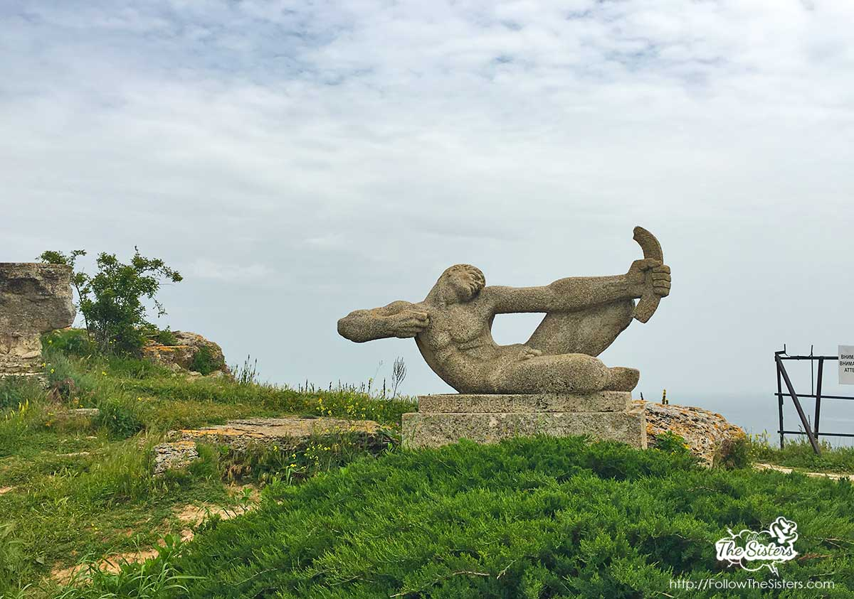 A monument of an unknown lad on Cape Kaliakra