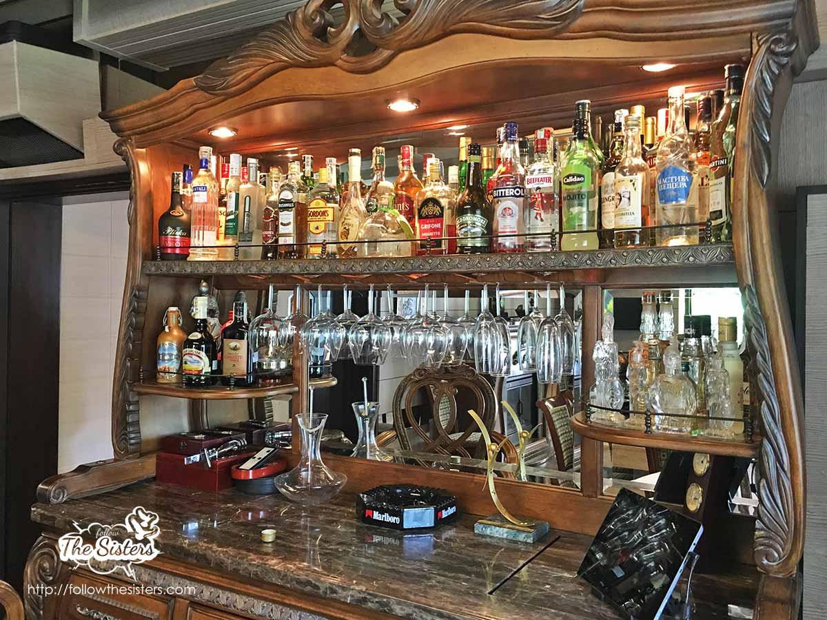 The boutique bar of villa Vuchev