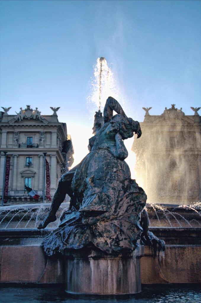 fountains of rome walk - roman fountains tour -fontana della naiadi