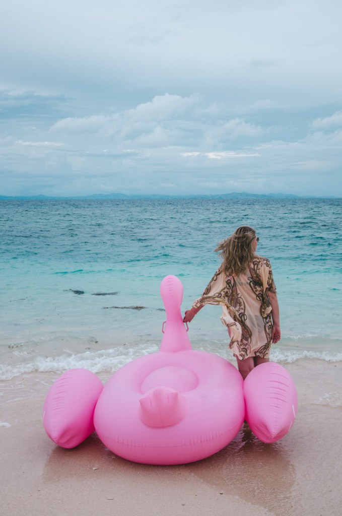 Summer essentials - pink flamingo