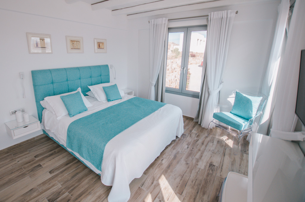 Naxos Rock Villas - bedroom