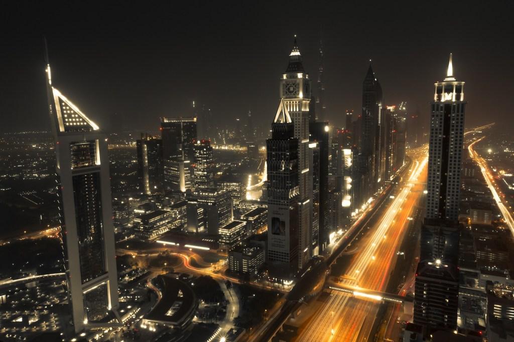 ceny w Dubaju - czy w Dubaju jest drogo - hotele w Dubaju - sheikh zayed road
