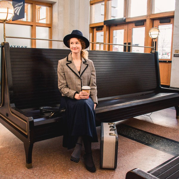 vintage travel outfit