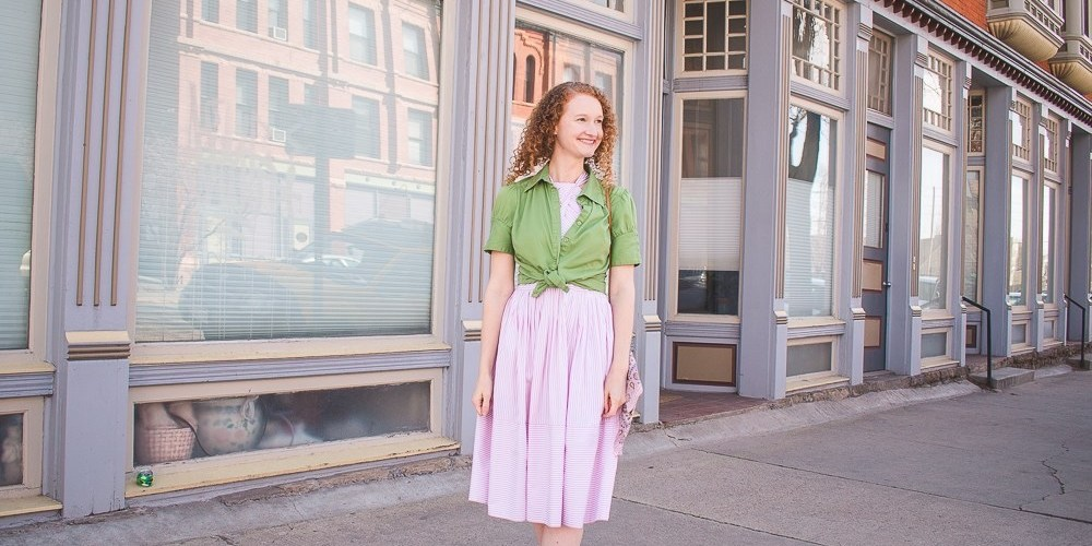 Spring green and Gal Meets Glam Dress