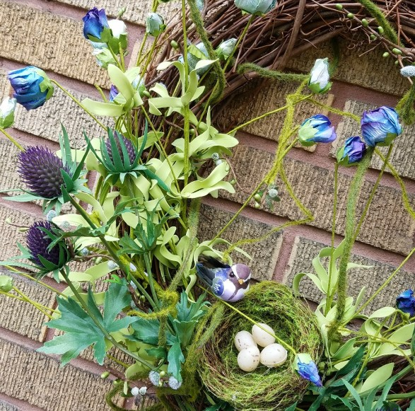 How to make a stunning spring wreath using thistle and moss