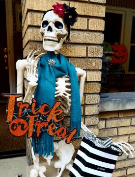 Awesome Halloween Decorating Ideas Skeleton Decor