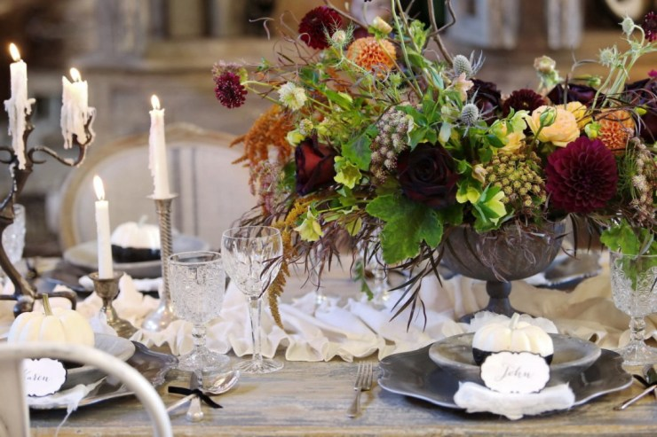 Halloween tablescape chic and elegant tablescape