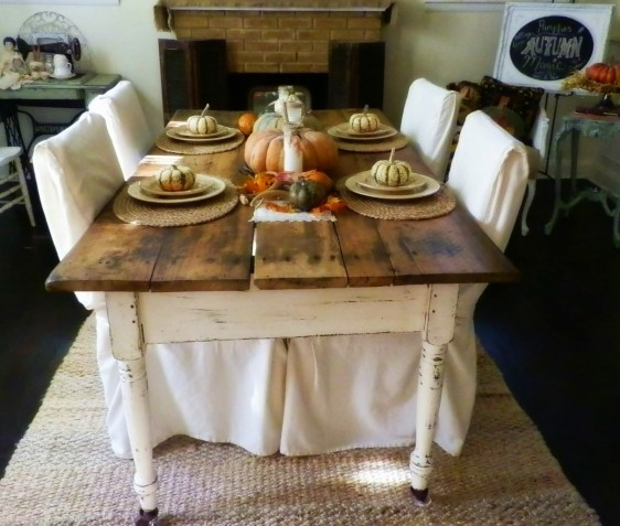 $10 antique farm table and fall tablescape