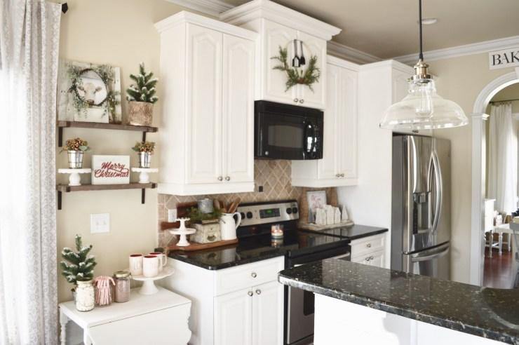 Beautiful white kitchen cabinet cottage Christmas kitchen